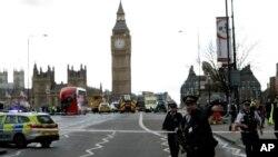 Cảnh sát bảo vệ quốc hội Anh hôm 22/3 sau khi xảy ra vụ tấn công.