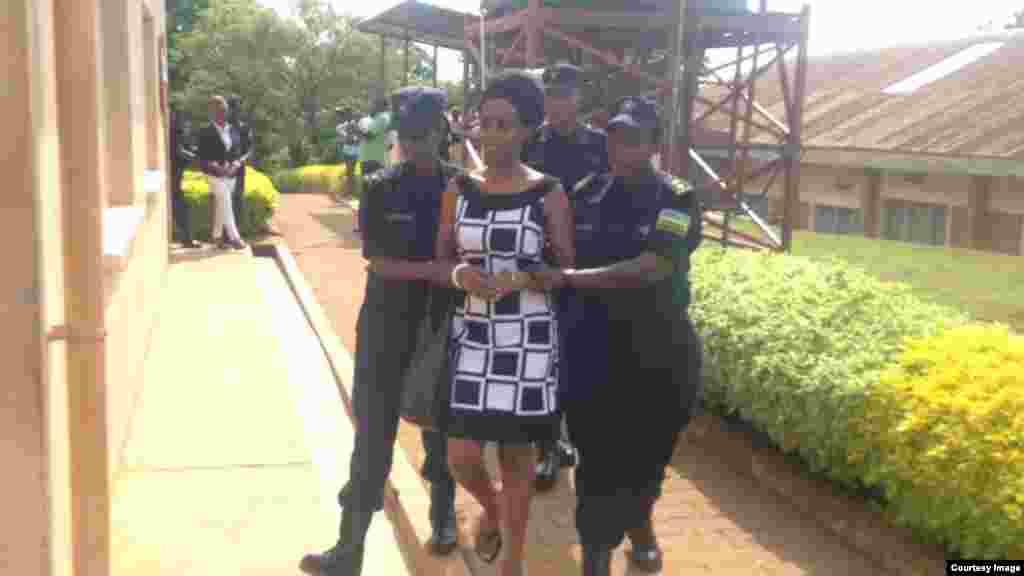 Diane Rwigaraaboshye mu mapingu