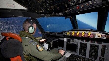 2014年4月11日,新西兰空军在印度洋上空搜寻马航370班机。