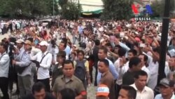 Cambodian Opposition Learns Non-Violent Protest Tactics