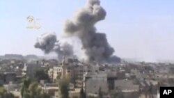 Serangan udara Suriah menghantam kawasan yang dikuasai pemberontak di Deir el-Zour (29/10).