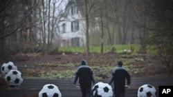 فٹ بال ورلڈ کپ2018 کی میزبانی روس، 2022 کی قطر کے حوالے