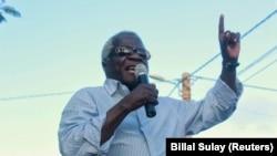 Afonso Dhlakama em comício na Morrumbala, Zambezia, Moçambique. Foto de Billal Sulay 21 Jan 2015