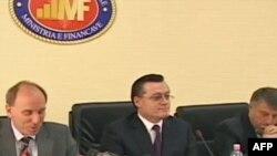 FMN: Shqipëria të përgjysmojë deficitin buxhetor