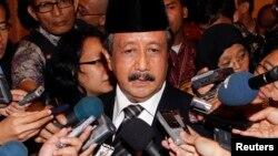 Jaksa Agung Basrief Arif Kamis (18/6) membantah adanya intervensi dalam penanganan dugaan korupsi pengadaan bus Transjakarta (foto: dok).