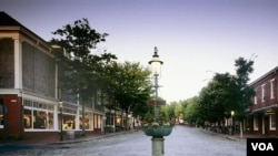 Nantucket's restful town center, though this photo was certainly not taken in the summertime, when the streets are full of cars that tourists bring over on a ferry. (Carol M. Highsmith)