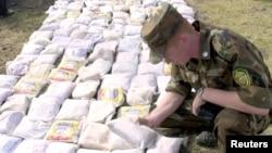 По данным Управления ООН по наркотикам и преступности, в Россию ежегодно ввозится около 70 тонн афганского героина