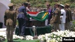 15일 남아공 이스턴 케이프 주 쿠누에서 넬슨 만델라 전 남아공 대통령의 장례식이 거행됐다.