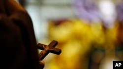 """En Cuba, """"los grupos religiosos que no tienen reconocimiento son severamente perseguidos"""" según una ONG británica."""