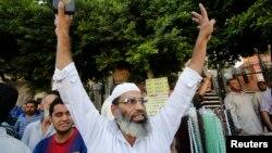 지난 8월, 이집트 수도 카이로의 한 광장에서 축출된 무르시 전 대통령 지지자들이 시위를 벌이는 모습. (자료사진)
