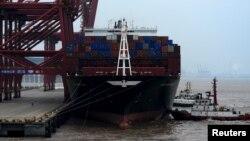 지난달 14일 중국 저장성 저우산 무역항에 화물선이 정박해 있다.