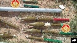 Cette photo prise le lundi 7 mars 2016 montre des munitions stoppées dans la ville de Ben Guerdane, dans le sud de la Tunisie, un problème que veut enrayer le ministre tunisien de la défense.