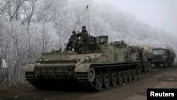 Binh sĩ chính phủ Ukraine gần Debaltseve, miền đông Ukraine, ngày 15/2/2015.