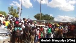 Zimbabwwans mourn Genius Kadungure