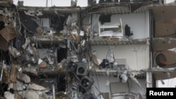 Srušena zgrada u Surfsajdu