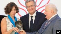 Жанна Немцова, Бронислав Коморовски и Лех Валенса