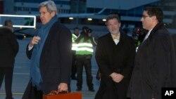 11月23日克里抵达日内瓦国际机场