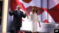 ملانیا ترامپ در کنار دونالد ترامپ