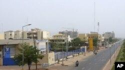 Con đường chính trong thủ đô Mali hầu như vắng lặng sau khi quân đội thực hiện cuộc đảo chính