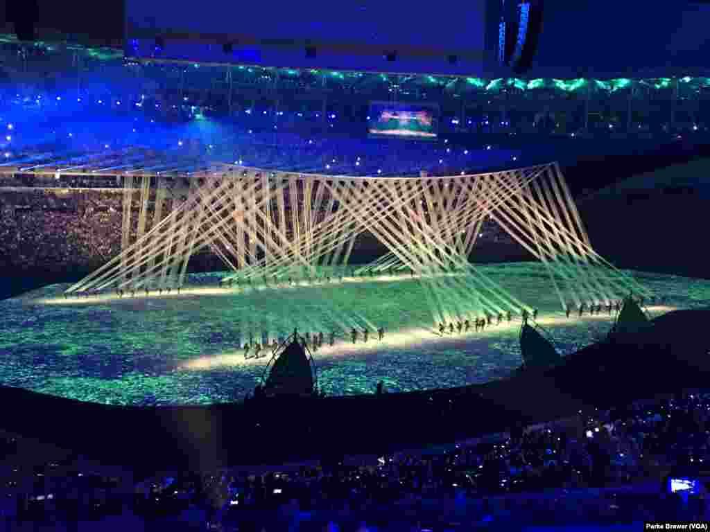 برازیل کے عبوری صدر مچل تمر نے اولمپکس کی افتتاحی تقریب کی صدارت کی۔