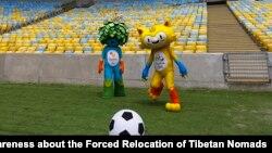 Maskot-maskot Olimpiade (kanan) dan Paralimpik 2016.