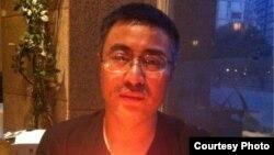 上海的網絡作家李化平