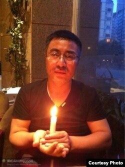 """網名""""挪威森林""""的上海網絡作家李化平(資料照片)"""