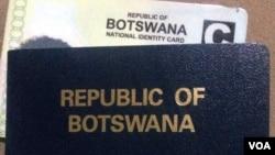 Adingwa ngamehlo abomvu ama passports elizwe leBotswana.
