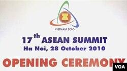 Para pemimpin ASEAN pada pembukaan KTT ASEAN di Hanoi, Vietnam Kamis, 28 Oktober 2010.