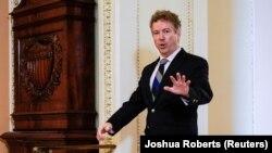 Le sénateur républicain Rand Paul (Kentucky) arrive pour le début du procès de mise en accusation du président américain Donald Trump au Capitole à Washington, États-Unis, le 16 janvier 2020.