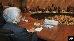 Las cinco grandes potencias y Alemania reanudaron el mes pasado en Estambul las conversaciones nucleares con Irán.