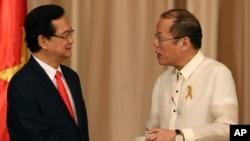 Tổng thống Philippines Benigno Aquino III và Thủ tướng Việt Nam Nguyễn Tấn Dũng tại Dinh Malacanang ở Manila, ngày 21/5/2014.