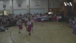 Маленькі українці виконують український танець у Нью-Йорку. Відео