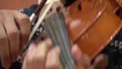 Музична школа у Чикаго: 75% учнів навчаються безкоштовно або за мінімальну платню. Відео