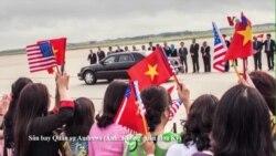 Việt Nam đang tái cân bằng chiến lược, xoay sang Hoa Kỳ?