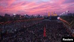 برگزاری مراسم مذهبی اربعین در کربلا، از شهرهای مقدس شیعیان، در عراق - آرشیو