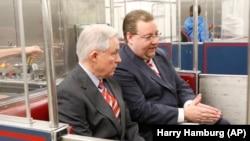 Генпрокурор США Джеф Сешнс та новий голова кримінального відділу Мін'юсту США Браян Бенчковський