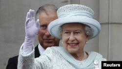 Ratu Inggris, Elizabeth II mengatakan ia merasa terharu oleh perayaan 60 tahun ia bertahta yang sangat meriah di Inggris (5/6).