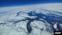 美国空军2019年5月26日在北极圈内航拍的景观(美国空军)