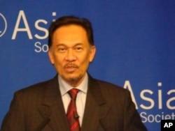 安華.伊伯拉興, 馬來西亞前任副總理