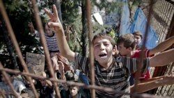 گزارش: تظاهرات کودکان و نوجوانان پناهنده سوری عليه بشار اسد