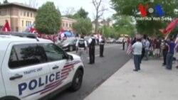 Türkiye'nin Washington Büyükelçiliği Önünde Gösteriler
