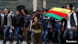 Suriyaliklar kurdlar Kobani shahrida