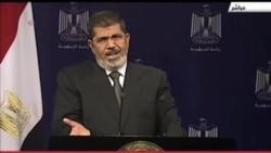 """2013-07-03 美國之音視頻新聞: 埃及軍方誓言防止國家受""""恐怖分子""""和""""蠢人"""" 破壞"""