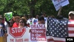 Arizona: Izglasan novi zakon o imigrantima