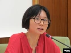 紐約台灣人權促進會秘書長邱伊翎。(美國之音張永泰拍攝)