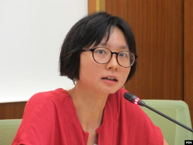 台灣人權促進會秘書長邱伊翎。 (美國之音張永泰拍攝)