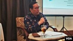 Dirjen Kerja Sama Multilateral Kementerian Luar Negeri Febrian Ruddyard memberikan penjelasan kepada media di Menteng, Jakarta 28 Maret 2019. (Foto: VOA/Sasmito)
