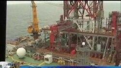 中国第一个深水石油钻井平台开钻