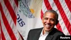 سابق صدر براک اوباما شکاگو یونیورسٹی میں ایک محفل مذاکرے میں حصہ لے رہے ہیں۔ 24 اپریل 2017